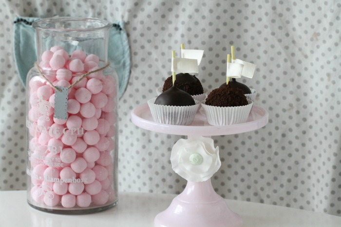 Brownie Cake Pops with Licorice and Lemon curd