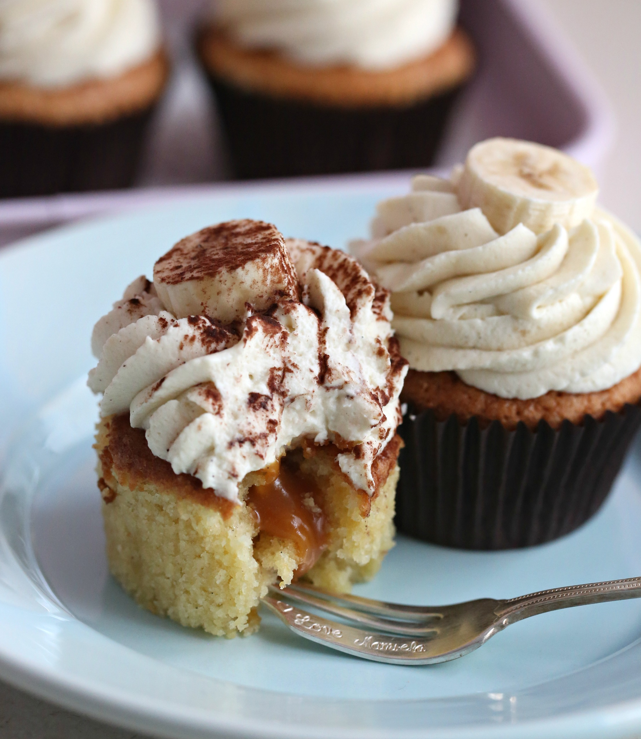 Glutenfrie banancupcakes & karamellfyll og banan krem