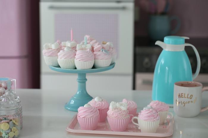 Manuela's Diner, Episode 10, hvordan lage Marshmallows Cupcakes
