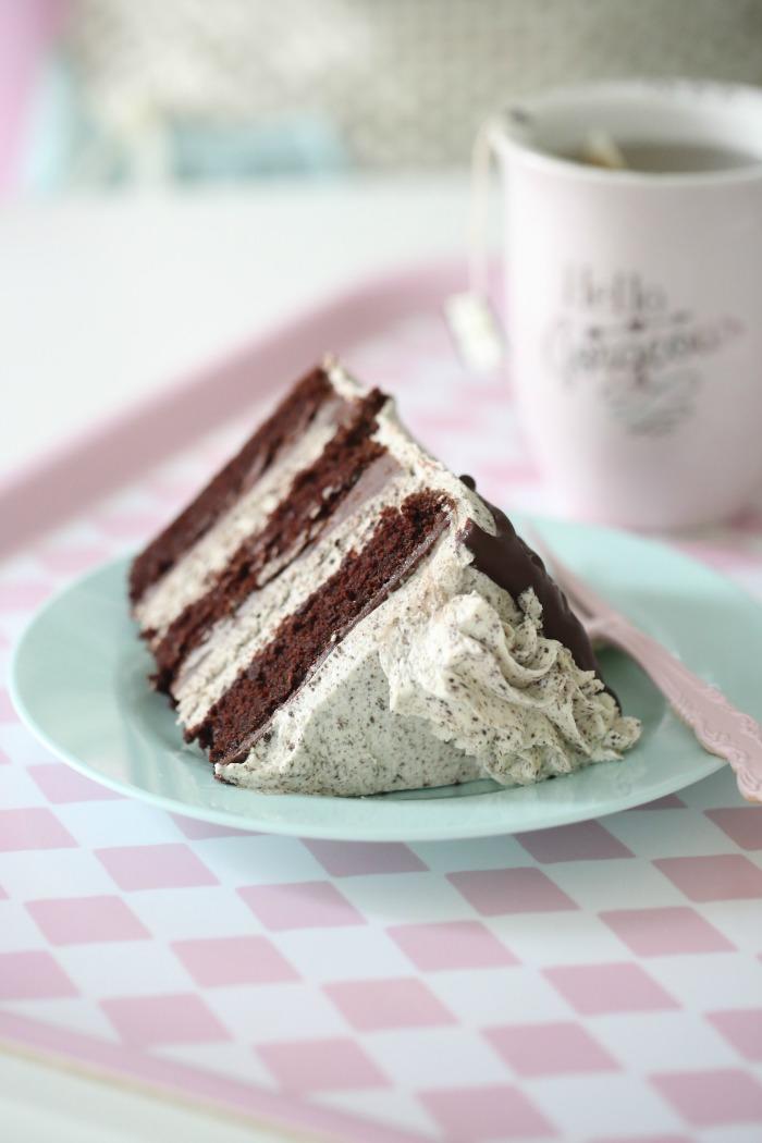 chocolate cake & Oreo Frosting