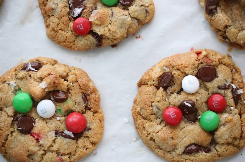 MINT M&M CHOCOLATE CHIP COOKIES