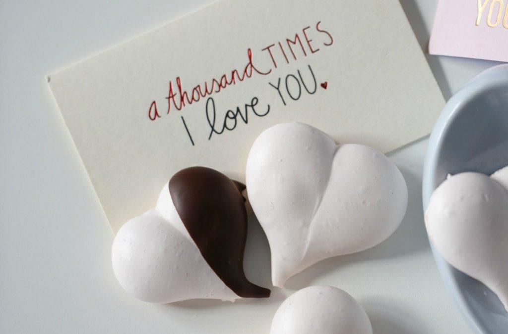 LOVE HEART MERINGUES & MERINGUES ROSES
