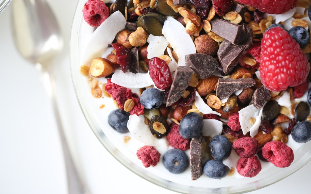 CHOCOLATE & BERRIES GRANOLA