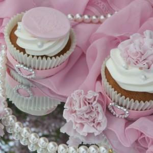 Delicious White chocolate Cupcakes, Wedding theme