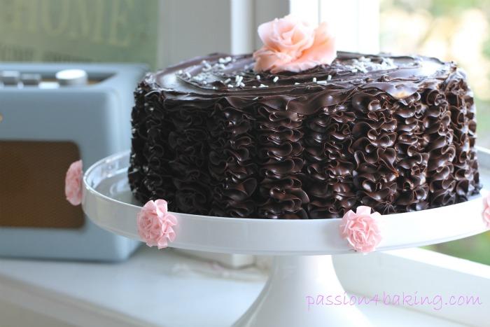 Delicious Ruffle Cake