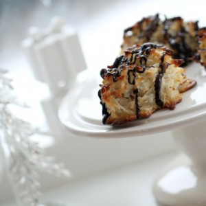 Coconut Almond Macaroons with Dark Chocolate ♥
