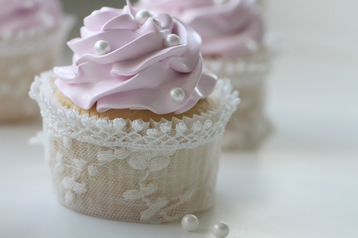 Simple White Lemon Cupcakes