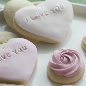 "Soft Sugar "" I Love You "" Cookies:"