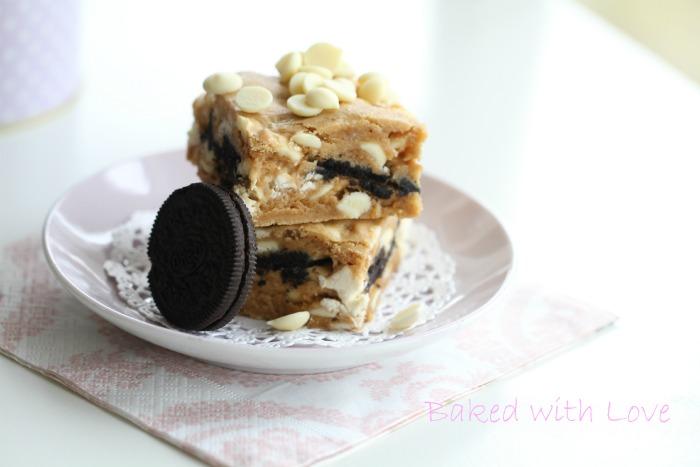 Cookies & Cream Blondies
