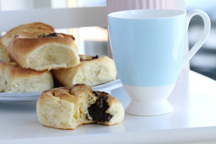 Lemon & chocolate truffle rolls