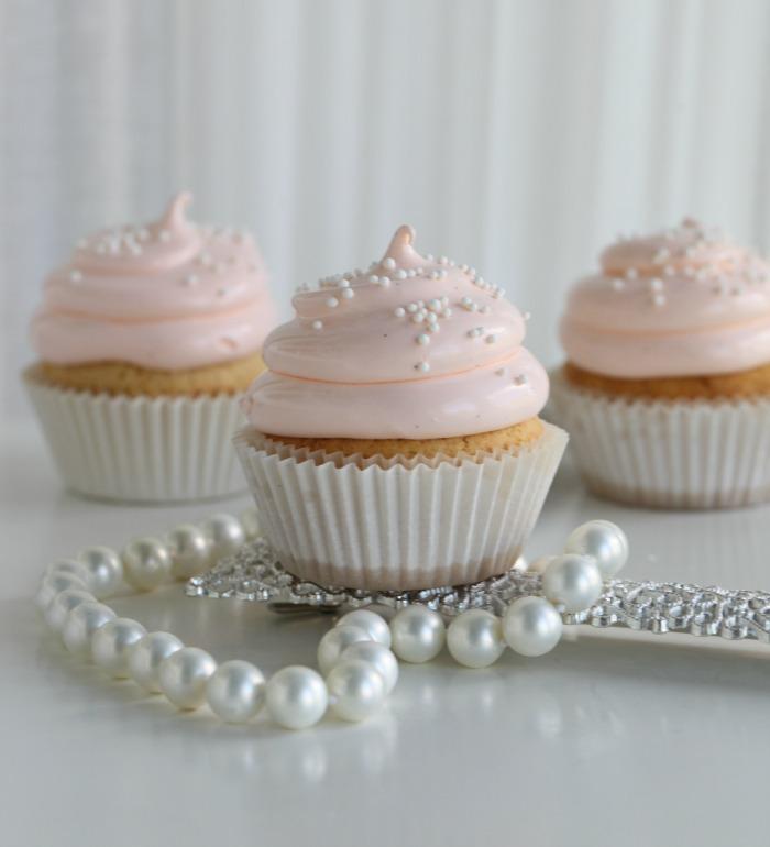 Lovely Peach Cupcakes
