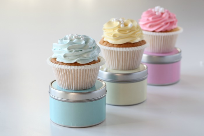 Cupcake piping techniques using various Wilton tips
