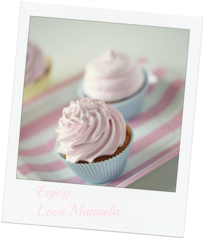 Vanilla delicious cupcakes & pink marshmallow frosting