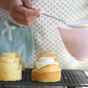 Mini tiered vanilla cakes