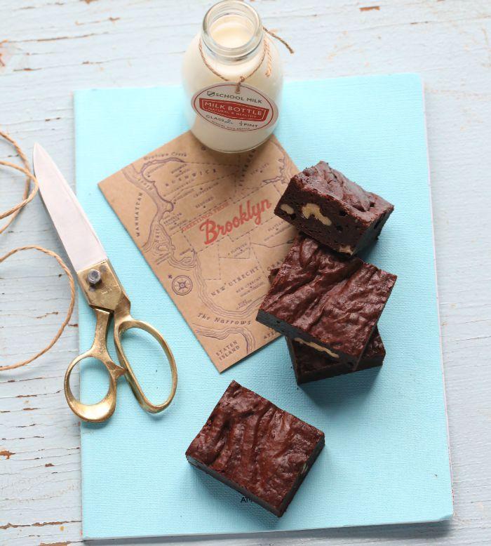 Fudge brownies & walnuts