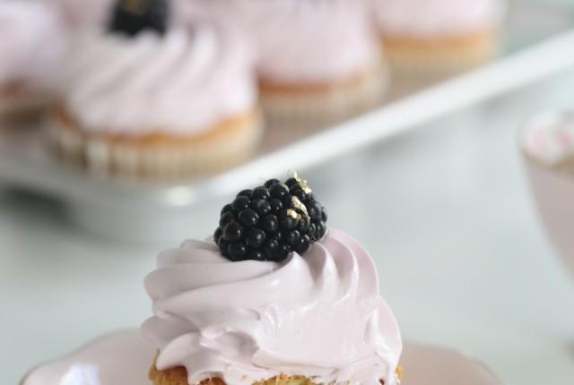 19_Gluten free vanilla cupcakes (2)
