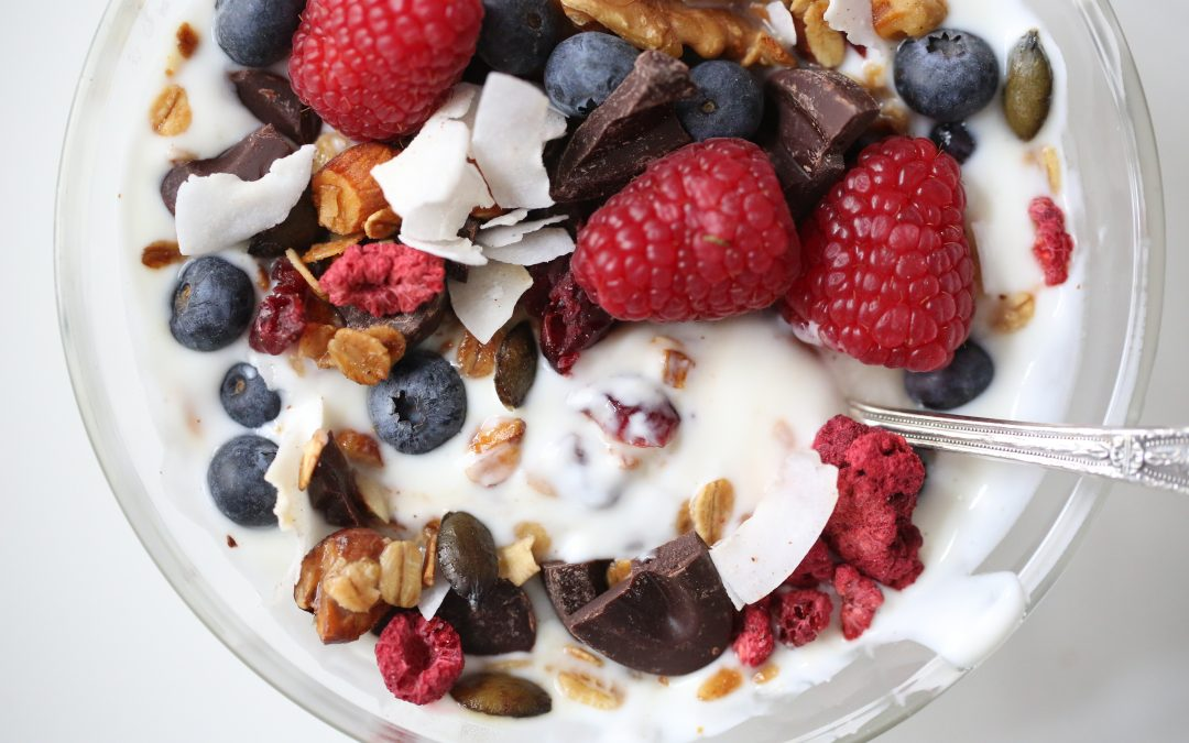 CHOCOLATE & BERRIES GRANOLA