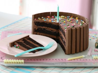 DARK CHOCOLATE CONFETTI KIT KAT CAKE